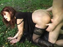 Milf, Outdoor, Outdoors pissing