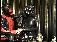 Rubber, Crossdressing rubber