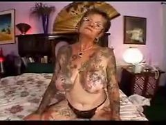 Granny, Tattoo, Tattoo stripping