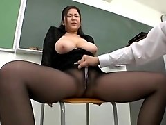 Uncensored japanese beauty mom creampie