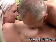 Blonde, Convince to dp