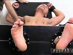 Teen, Cuckold lick male feet and dick