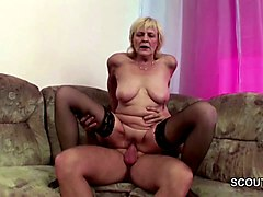 Facial, Young lesbian licking old grannies pussy