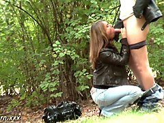 Leather, Pissing outdoor